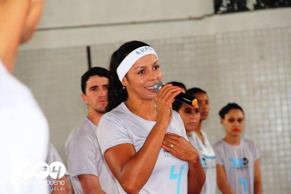 Paula Pequeno no Colégio Projeção – Site Oficial   Paula Pequeno – Voleibol b207207cdf